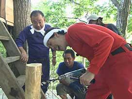 林業振興課(5) 林業振興課⑱ ツリーハウス制作前半終了