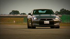 #01「日産 GT-R」